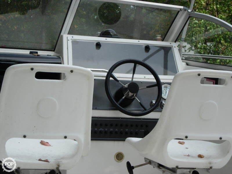 1997 Wellcraft 23 - image 8