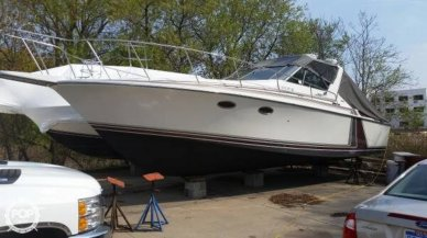 Trojan 10 Meter Express, 33', for sale - $47,000
