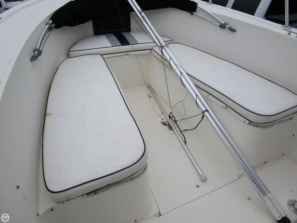 1987 Mako boat for sale, model of the boat is 261 & Image # 15 of 41