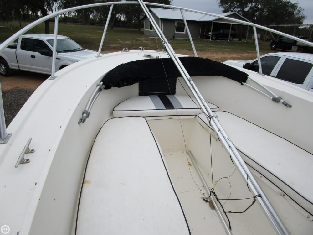 1987 Mako boat for sale, model of the boat is 261 & Image # 16 of 41