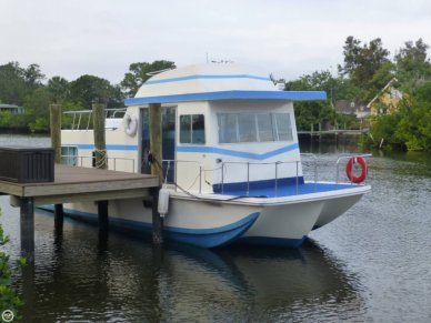 Holiday 40, 41', for sale - $26,200
