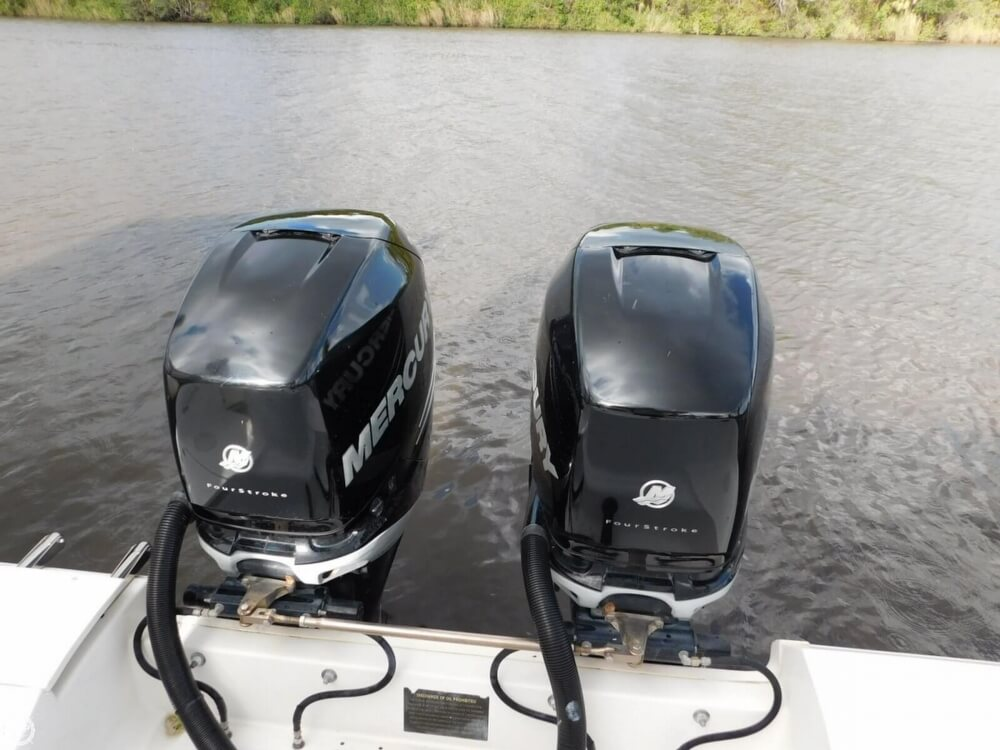 2008 Boston Whaler 320 Outrage Cuddy - image 9