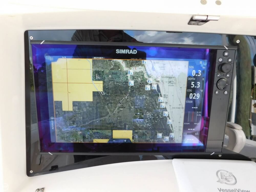 2008 Boston Whaler 320 Outrage Cuddy - image 10
