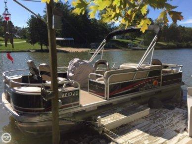 Sun Tracker Fishin' Barge 22 DLX, 22', for sale - $17,500
