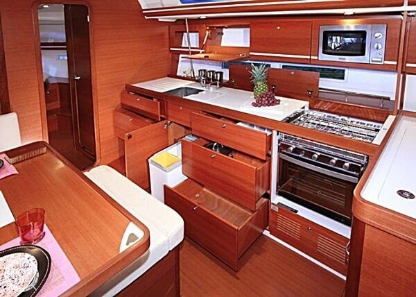 2014 Dufour boat for sale, model of the boat is 450 Grande Large & Image # 9 of 41