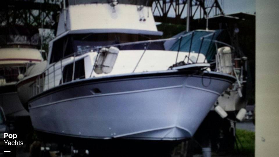 1989 Marinette boat for sale, model of the boat is 32 Sedan & Image # 2 of 7