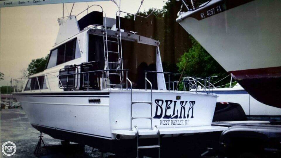 1989 Marinette boat for sale, model of the boat is 32 Sedan & Image # 3 of 6