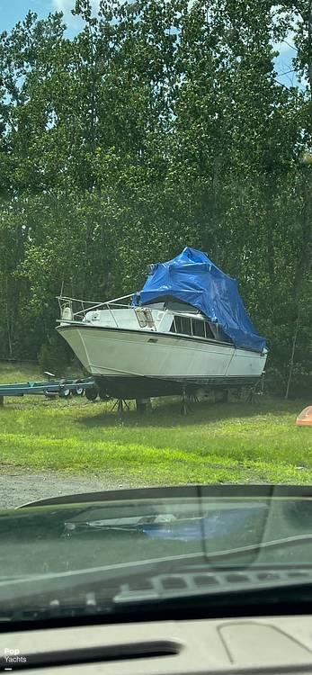 1989 Marinette boat for sale, model of the boat is 32 Sedan & Image # 6 of 7
