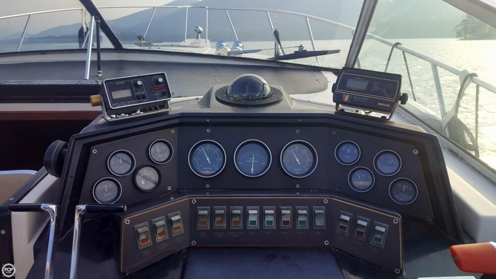 1985 Wellcraft boat for sale, model of the boat is St. Tropez 3200 & Image # 18 of 30