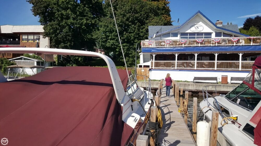 1985 Wellcraft boat for sale, model of the boat is St. Tropez 3200 & Image # 29 of 30