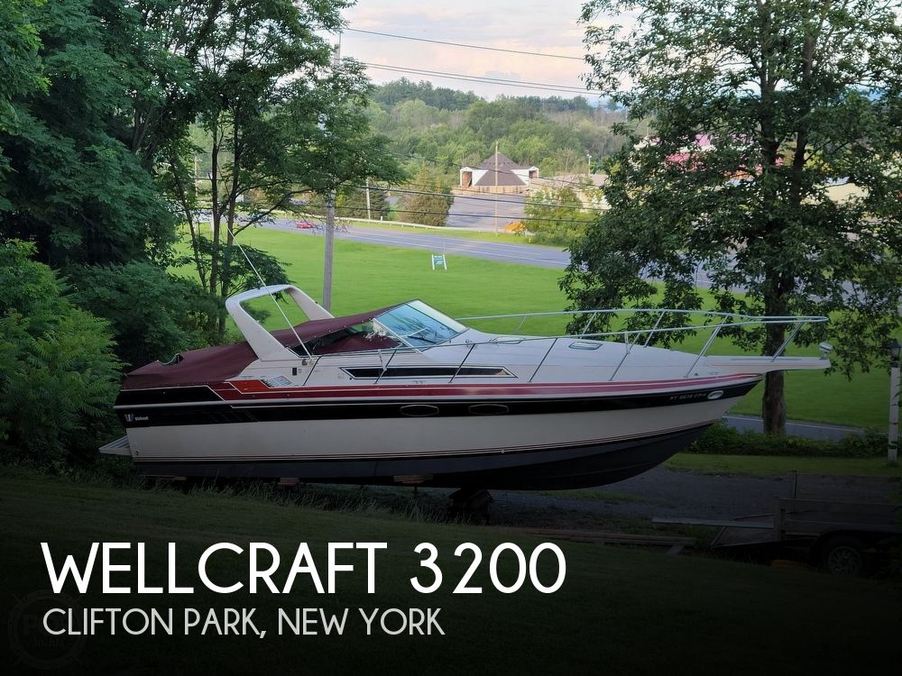 1985 Wellcraft boat for sale, model of the boat is St. Tropez 3200 & Image # 1 of 30