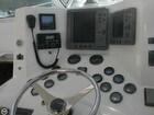 Raytheon Electronics  Sonar Radar GPS . Simrad Auto Pilot