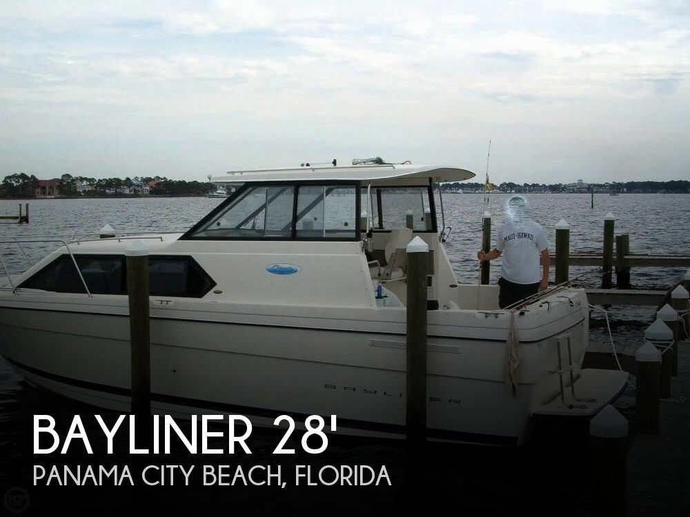 2004 Bayliner boat for sale, model of the boat is 289 classic & Image # 1 of 40