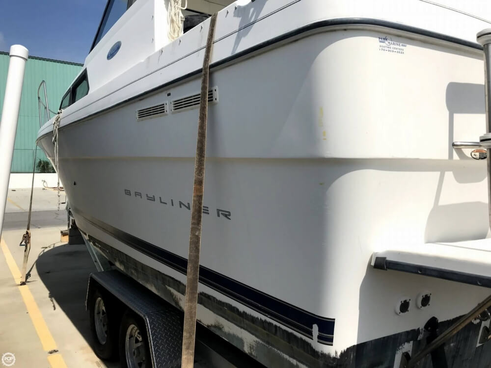 2004 Bayliner boat for sale, model of the boat is 289 classic & Image # 33 of 40