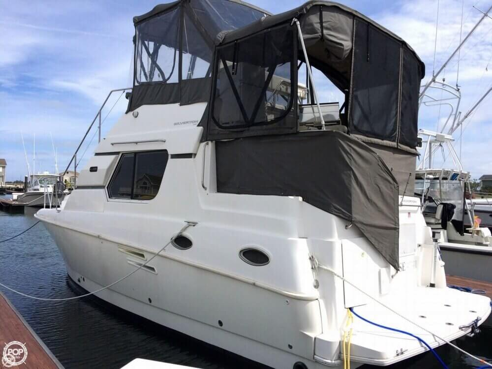 1998 Silverton boat for sale, model of the boat is 322 & Image # 2 of 41