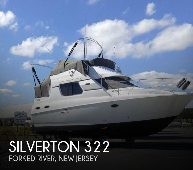 1998 Silverton boat for sale, model of the boat is 322 & Image # 1 of 41