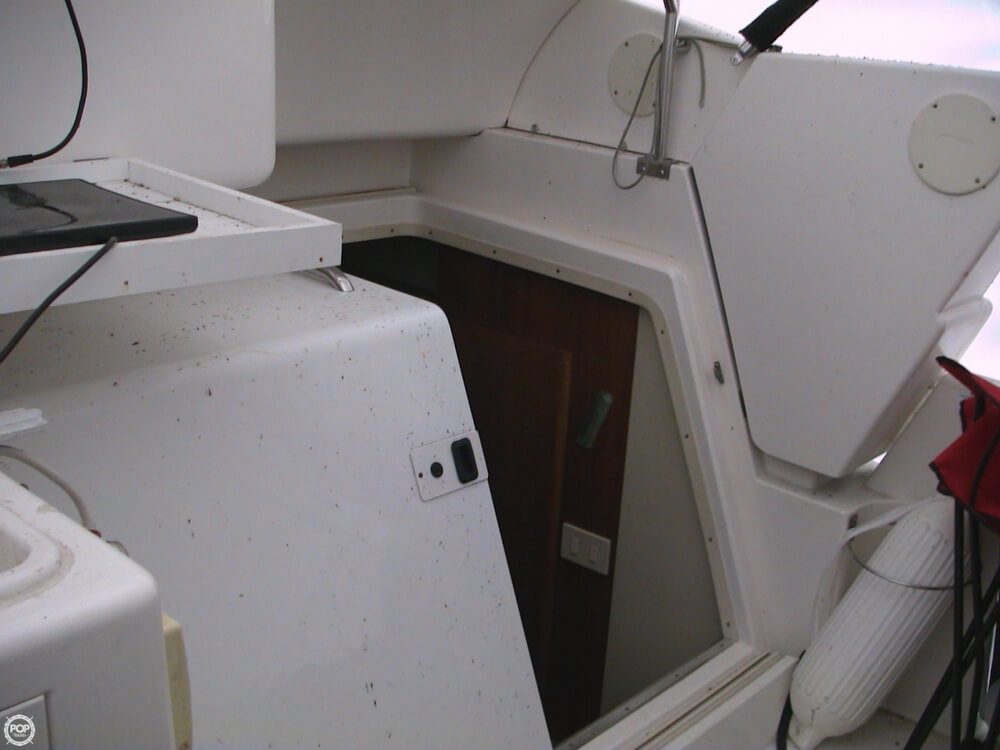 1998 Silverton boat for sale, model of the boat is 322 & Image # 25 of 41