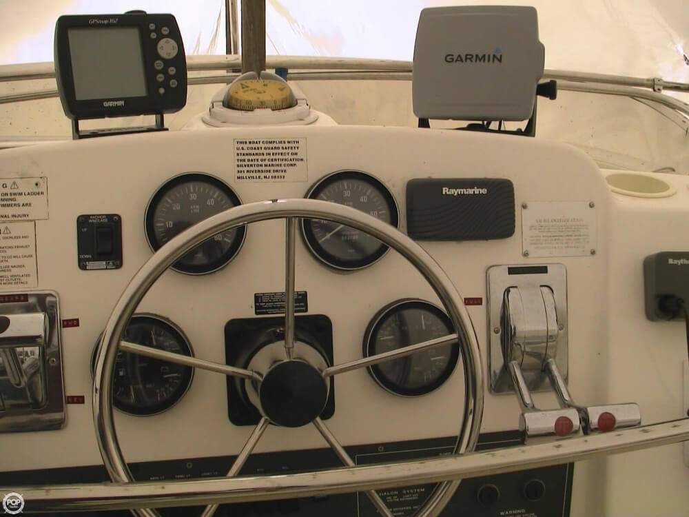 1998 Silverton boat for sale, model of the boat is 322 & Image # 27 of 41