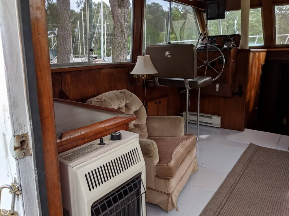 1979 Uniflite boat for sale, model of the boat is 38 Convertible & Image # 4 of 40