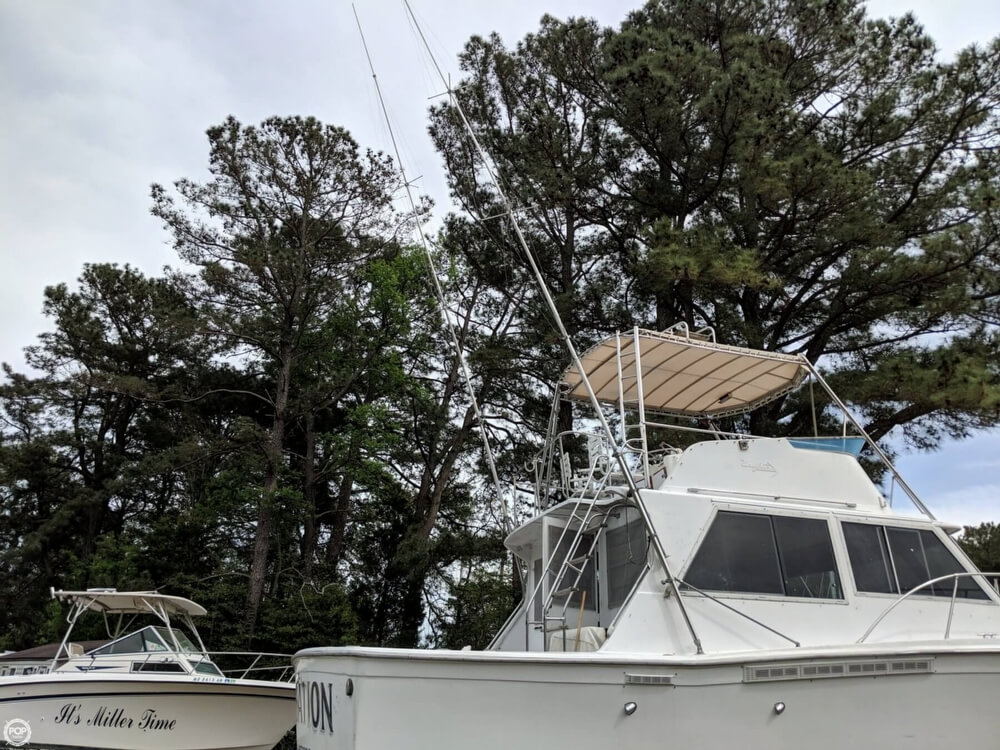 1979 Uniflite boat for sale, model of the boat is 38 Convertible & Image # 13 of 40