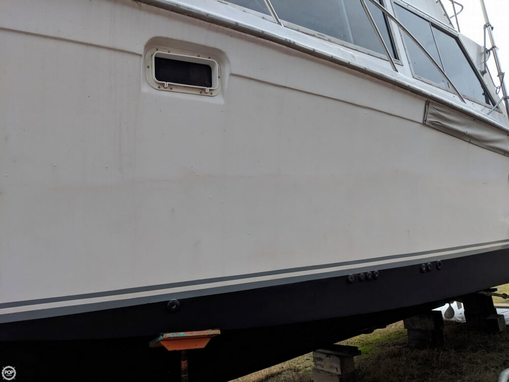 1979 Uniflite boat for sale, model of the boat is 38 Convertible & Image # 26 of 40