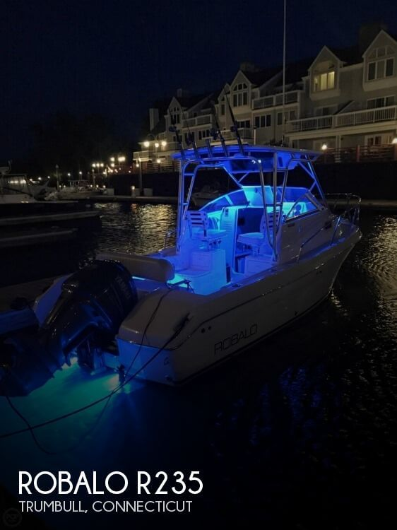 2004 ROBALO R235 for sale
