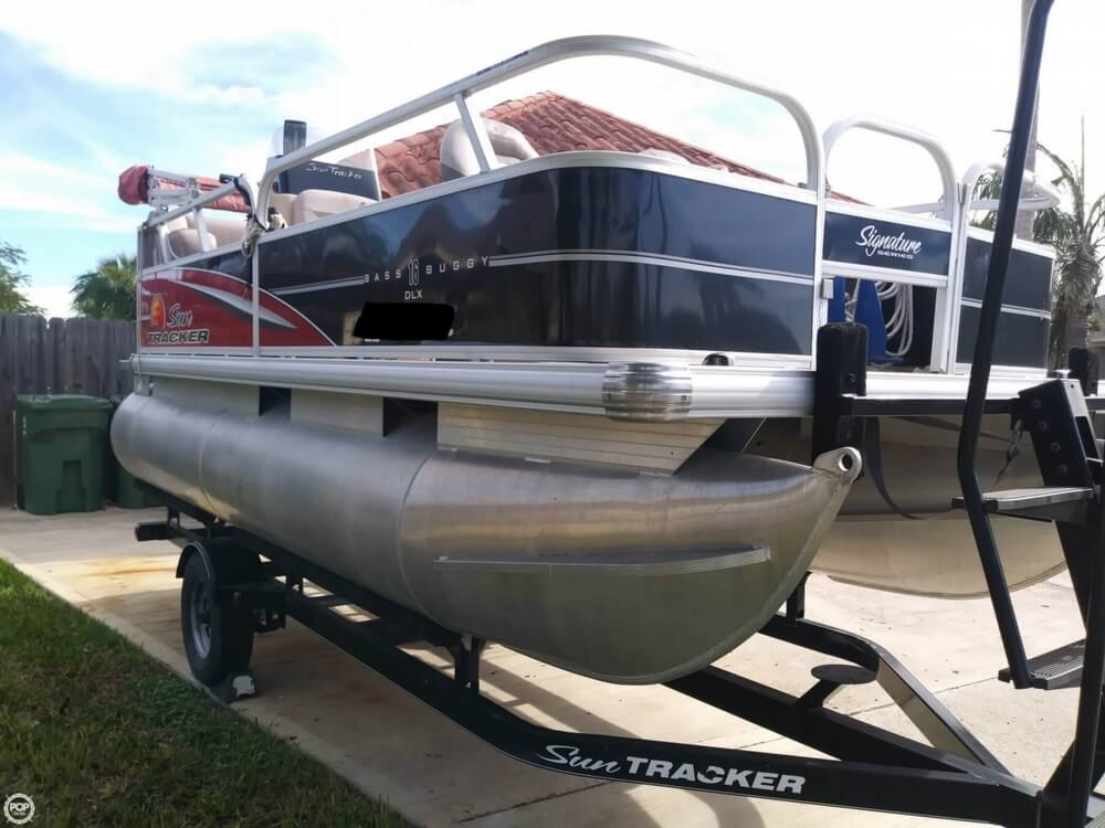 2014 Sun Tracker boat for sale, model of the boat is Bass Buggy 16 DLX & Image # 17 of 40