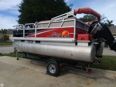 Sun Tracker Bass Buggy 16 DLX, 16, for sale - $18,995