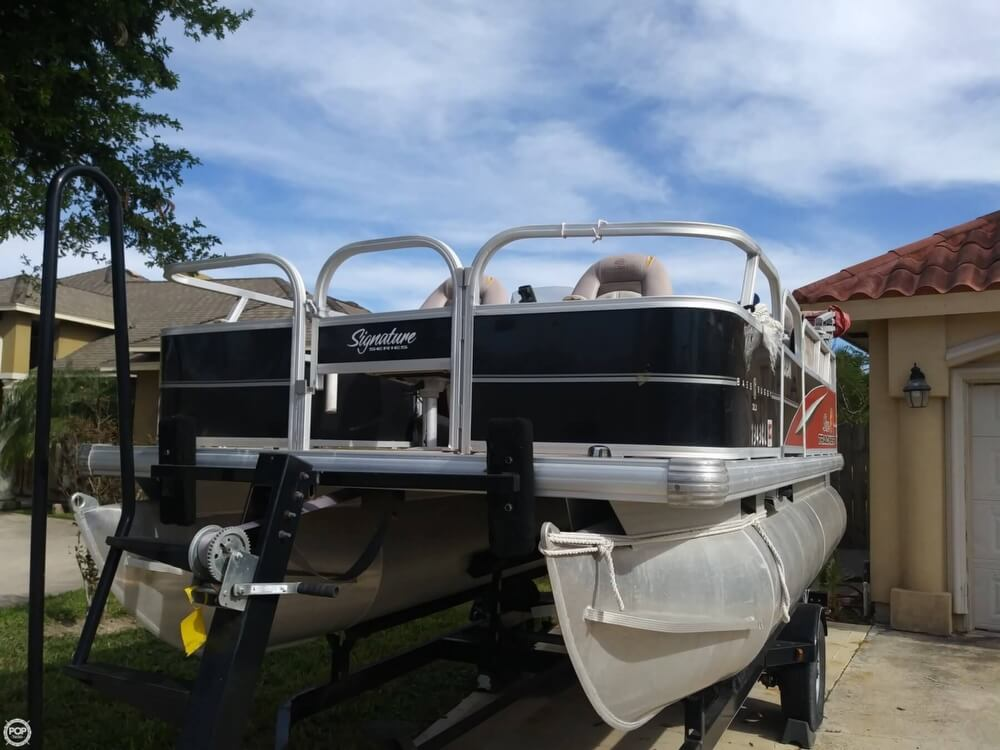 2014 Sun Tracker boat for sale, model of the boat is Bass Buggy 16 DLX & Image # 32 of 40