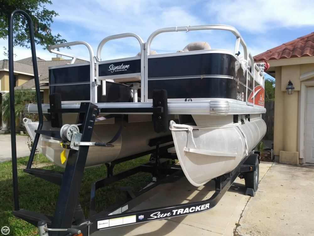 2014 Sun Tracker boat for sale, model of the boat is Bass Buggy 16 DLX & Image # 33 of 40