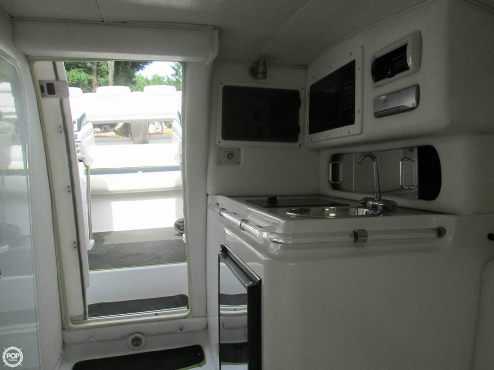 1998 Donzi boat for sale, model of the boat is 33 ZX & Image # 7 of 13