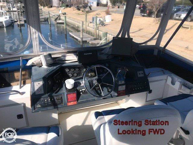 1990 Sea Ray boat for sale, model of the boat is 440 Aft Cabin & Image # 9 of 40