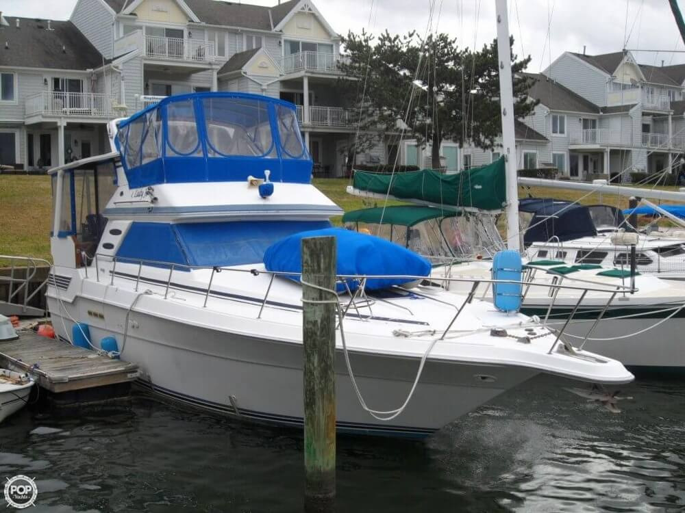 1990 Sea Ray boat for sale, model of the boat is 440 Aft Cabin & Image # 26 of 40
