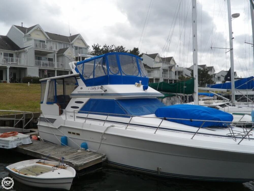 1990 Sea Ray boat for sale, model of the boat is 440 Aft Cabin & Image # 28 of 40