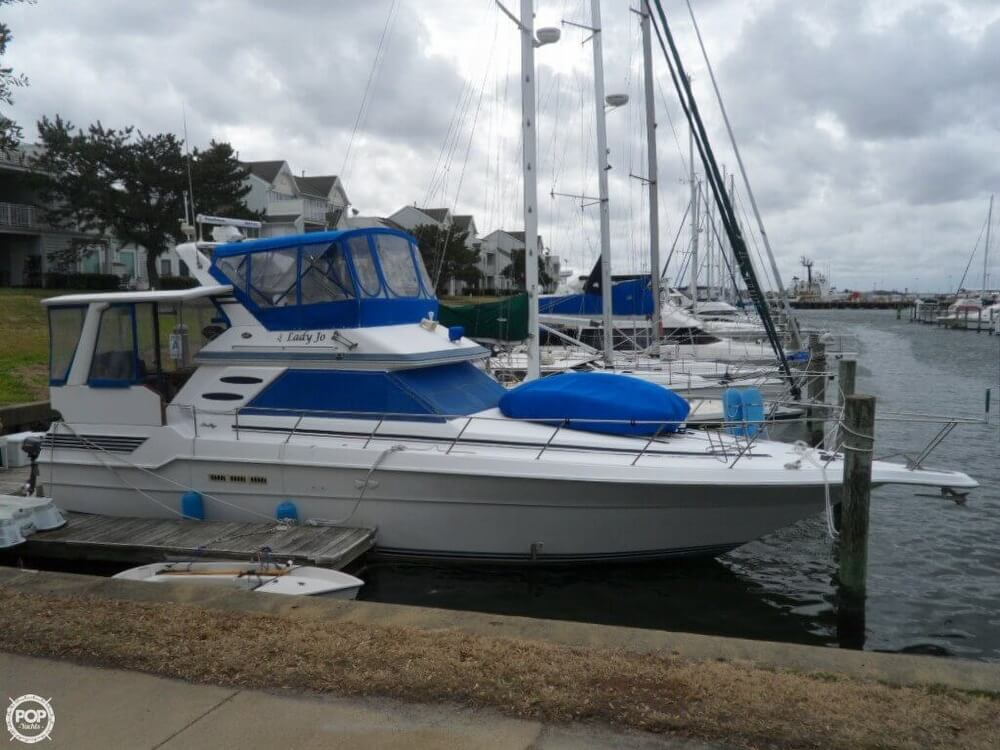 1990 Sea Ray boat for sale, model of the boat is 440 Aft Cabin & Image # 30 of 40