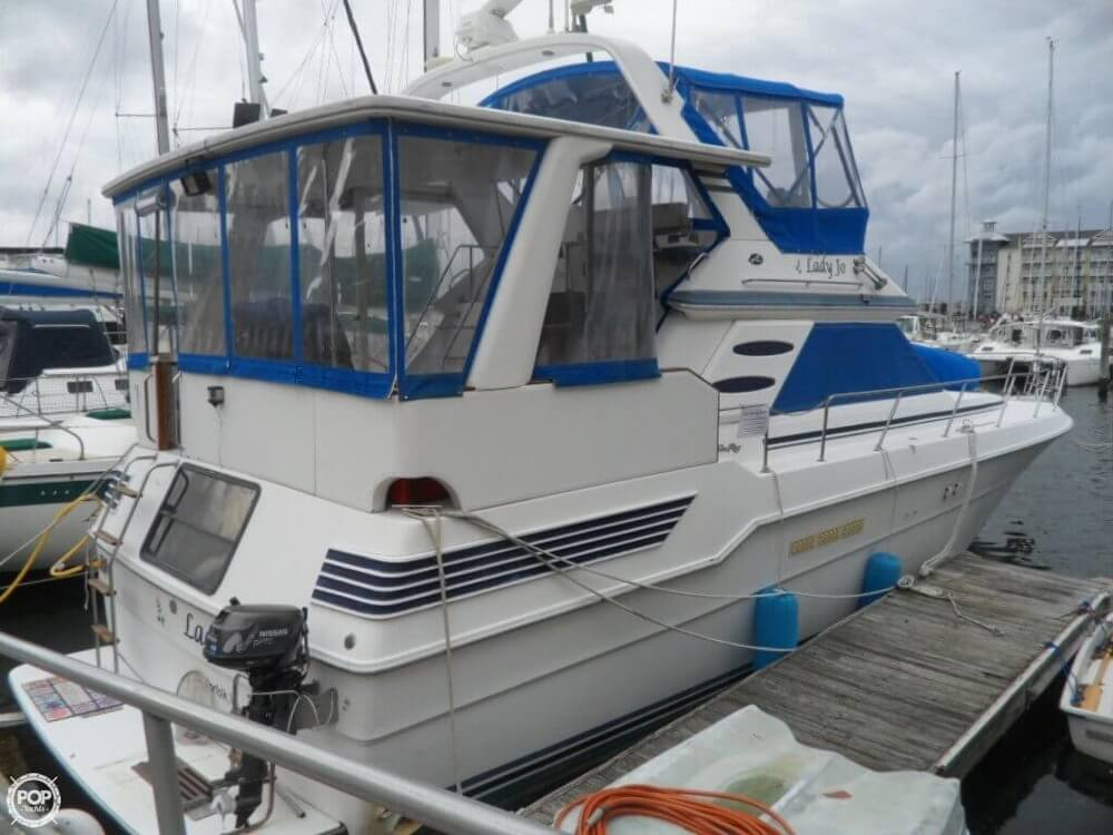 1990 Sea Ray boat for sale, model of the boat is 440 Aft Cabin & Image # 33 of 40