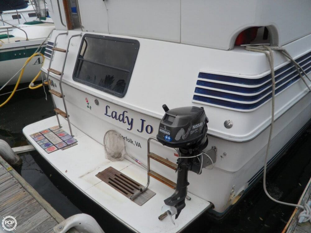 1990 Sea Ray boat for sale, model of the boat is 440 Aft Cabin & Image # 35 of 40