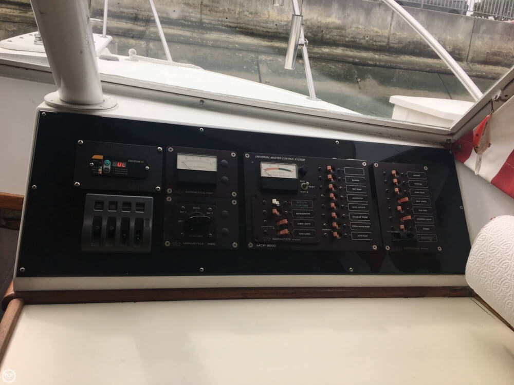 1969 Owens boat for sale, model of the boat is 27' Sports-fisher & Image # 22 of 40