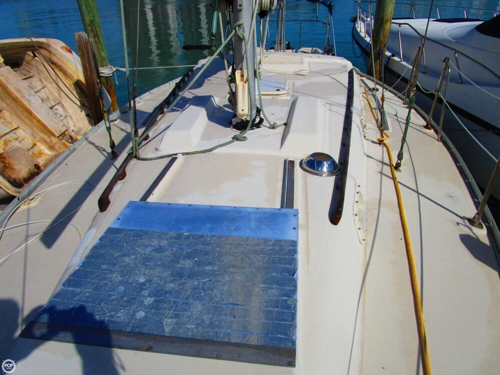 1973 Irwin boat for sale, model of the boat is 37-1 & Image # 19 of 40