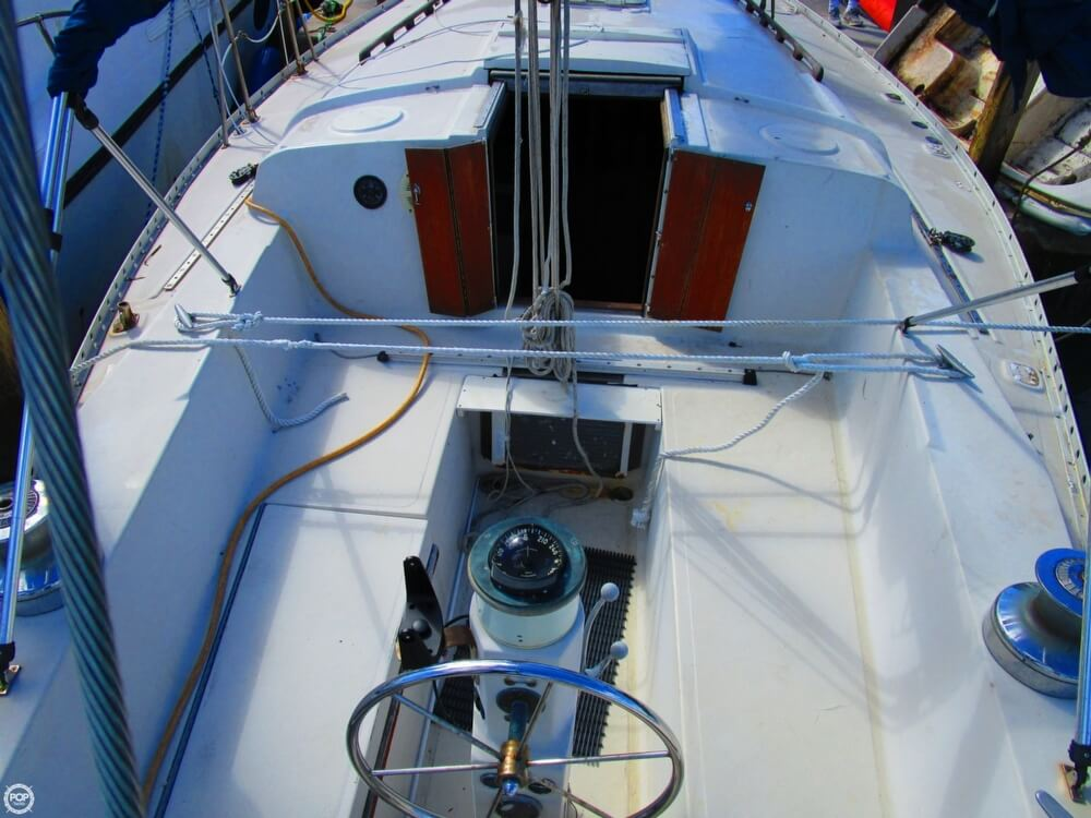 1973 Irwin boat for sale, model of the boat is 37-1 & Image # 33 of 40