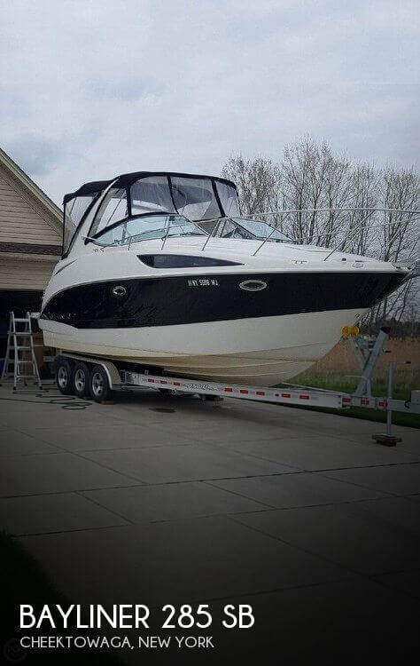 Used Boats For Sale in Buffalo, New York by owner | 2011 Bayliner 28