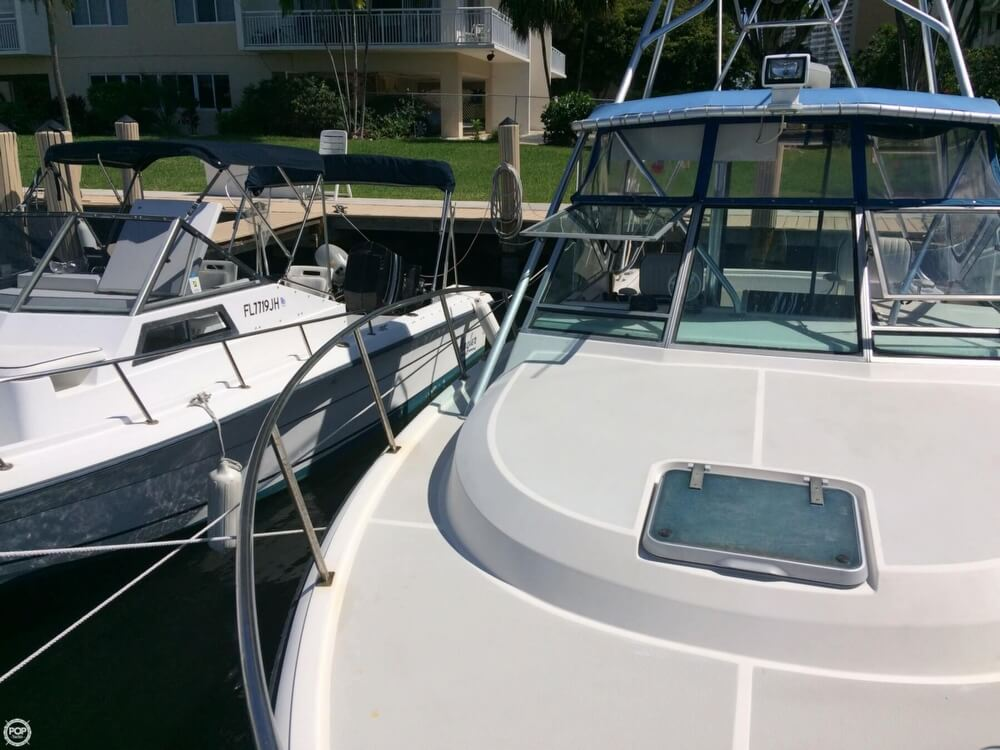 1985 Tiara Yachts boat for sale, model of the boat is 2700 Pursuit & Image # 24 of 40