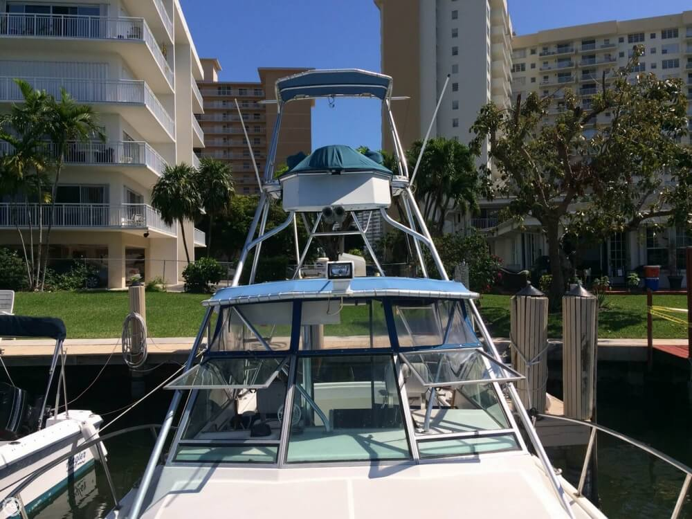 1985 Tiara Yachts boat for sale, model of the boat is 2700 Pursuit & Image # 26 of 40