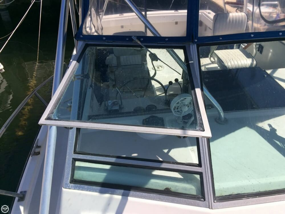 1985 Tiara Yachts boat for sale, model of the boat is 2700 Pursuit & Image # 28 of 40