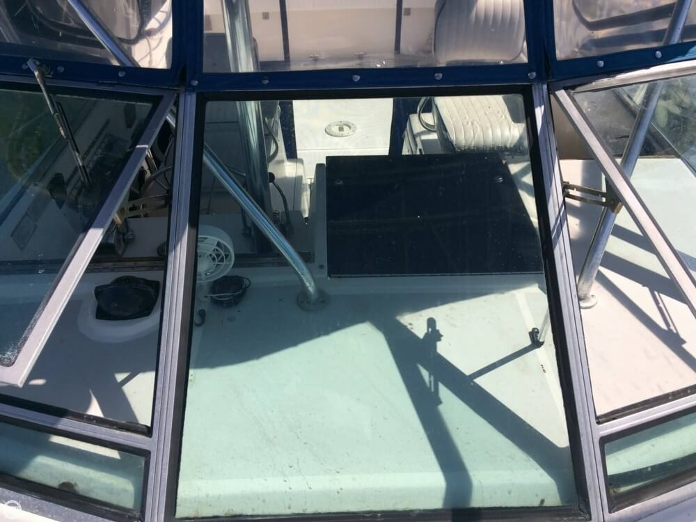 1985 Tiara Yachts boat for sale, model of the boat is 2700 Pursuit & Image # 29 of 40