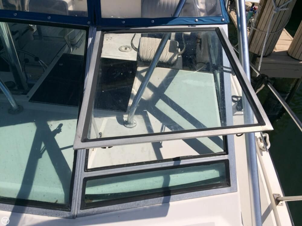 1985 Tiara Yachts boat for sale, model of the boat is 2700 Pursuit & Image # 30 of 40