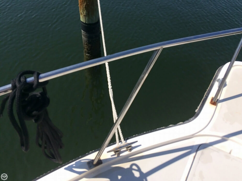 1985 Tiara Yachts boat for sale, model of the boat is 2700 Pursuit & Image # 34 of 40