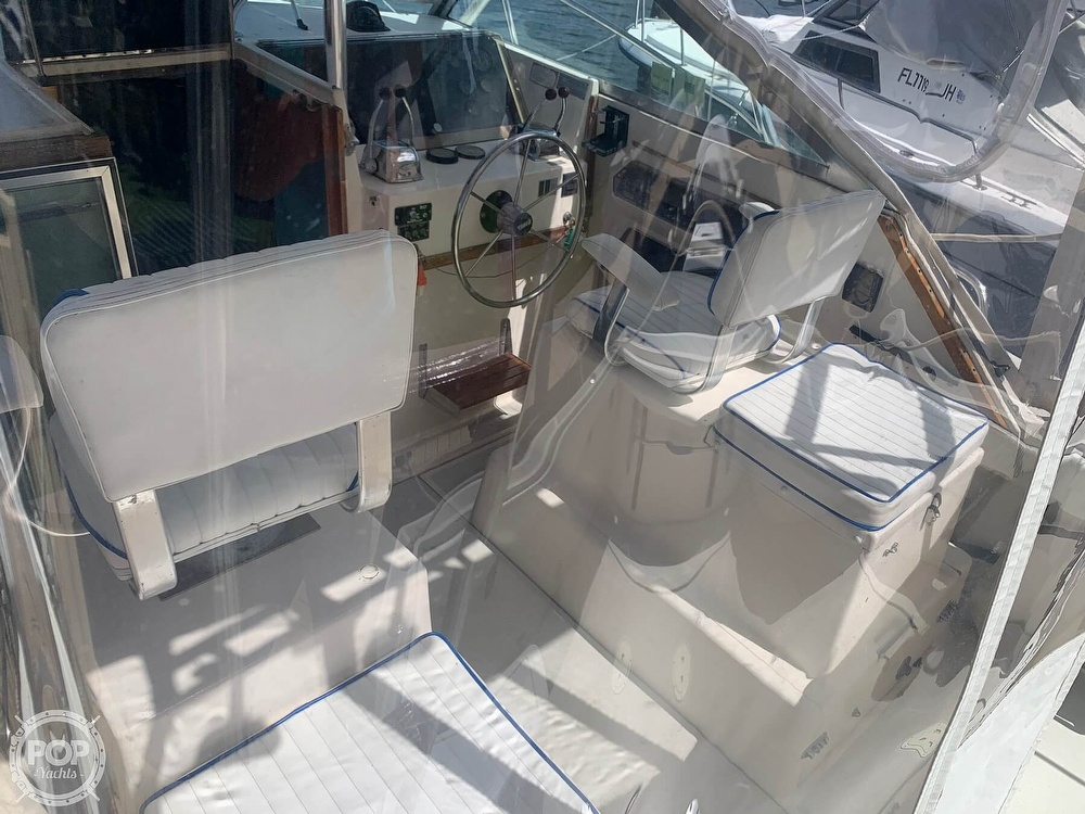 1985 Tiara Yachts boat for sale, model of the boat is 2700 Pursuit & Image # 19 of 40