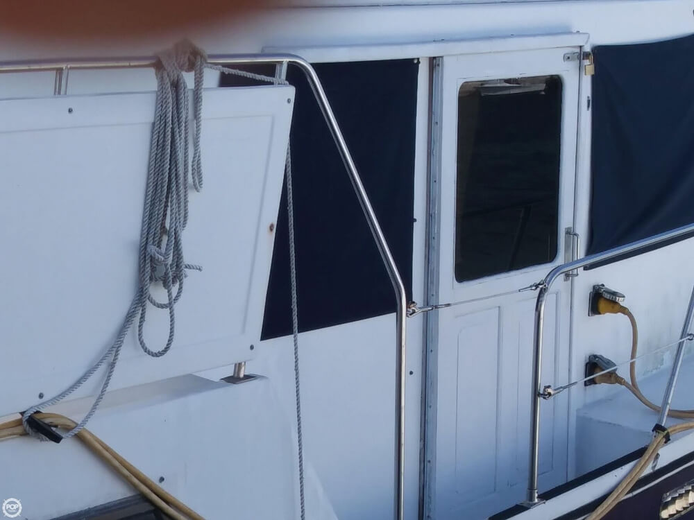 1990 Marine Trader boat for sale, model of the boat is 36 & Image # 24 of 40