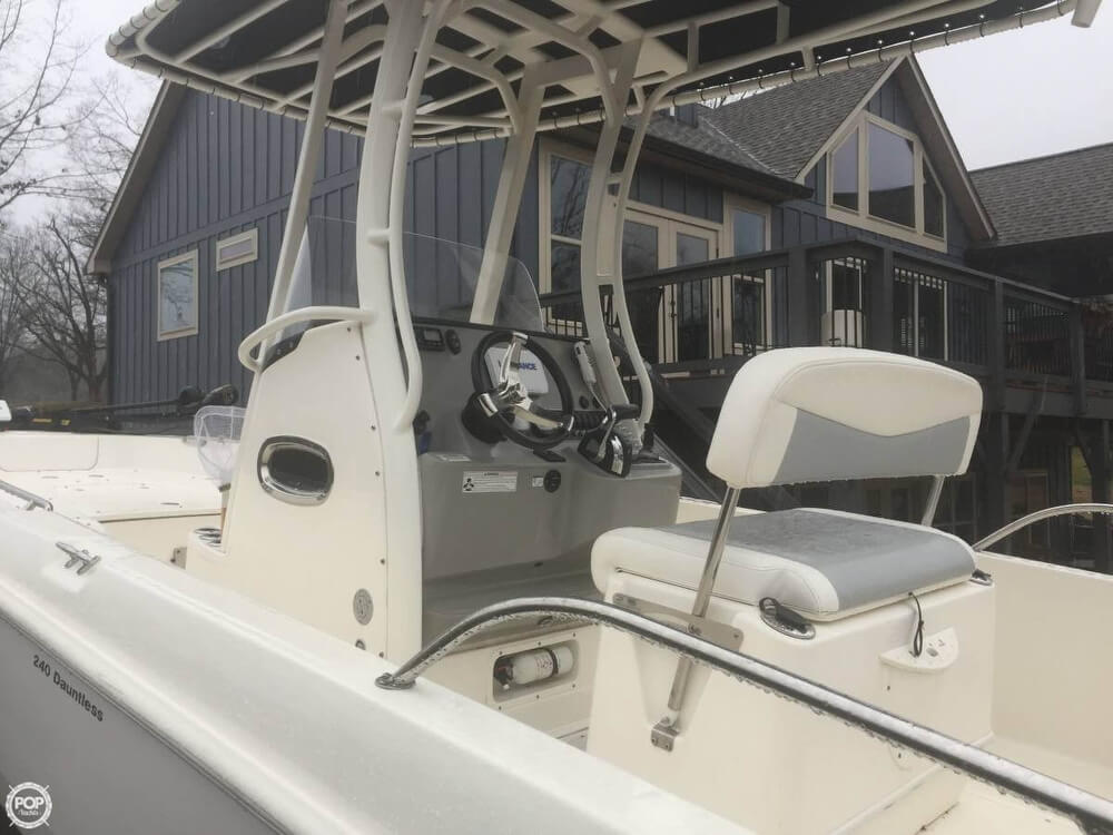2015 Boston Whaler 24 - image 2